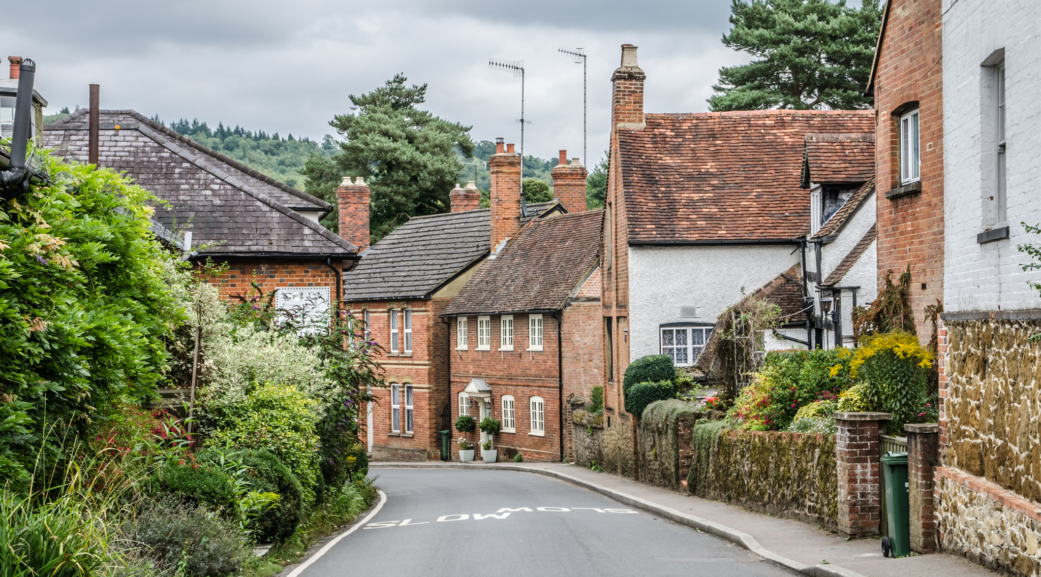 Best Small Towns To Live In 10 Unbelievably Cute Villages Within Easy Reach Of London