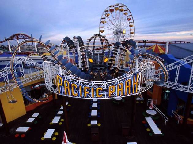 Best amusement parks in los angeles and southern california for Best parking near lax