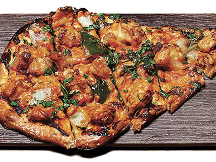 Chicken naan-za (Bindaas)