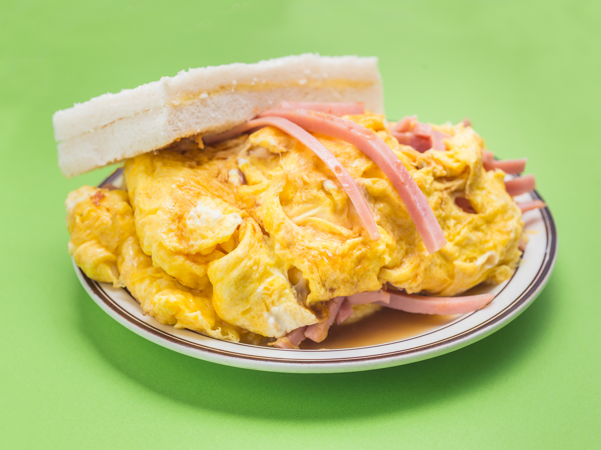 Scrambled egg and ham sandwich