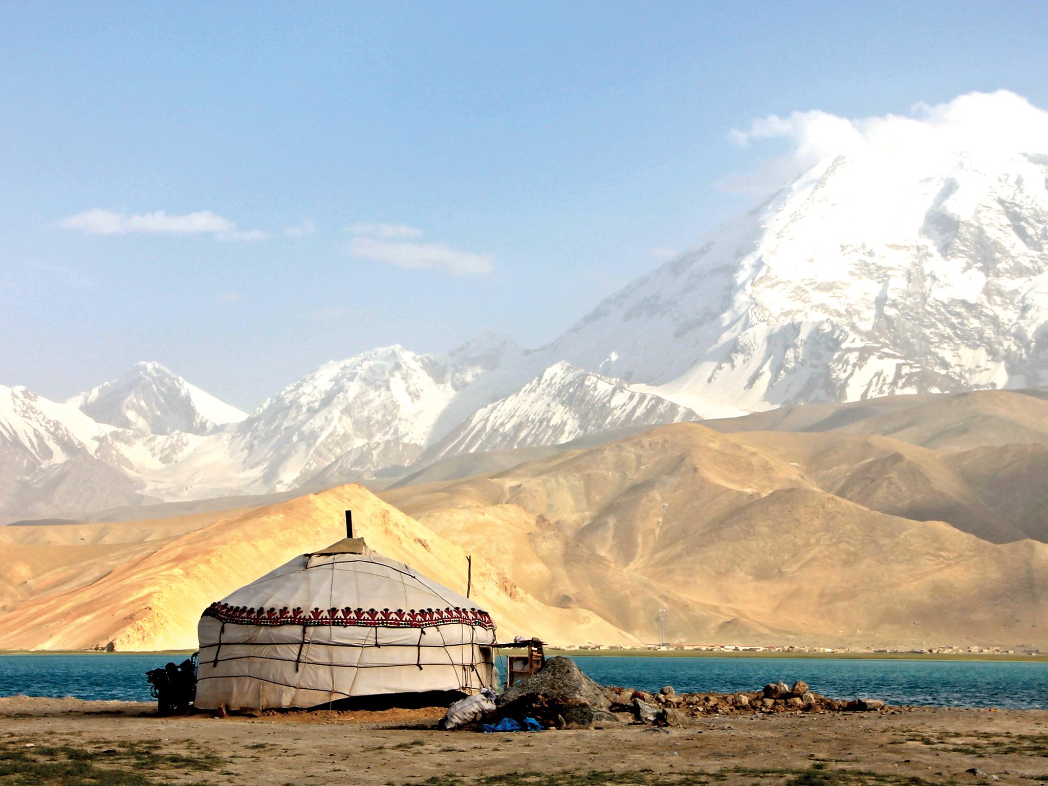 Muztagh Ata, China