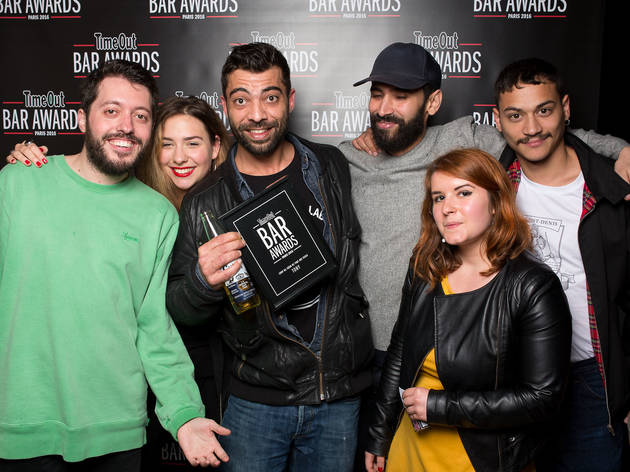 Bar Awards 10 (Some of the Time Out Paris team pose with staff from Le Tony © Anthony Micallef)