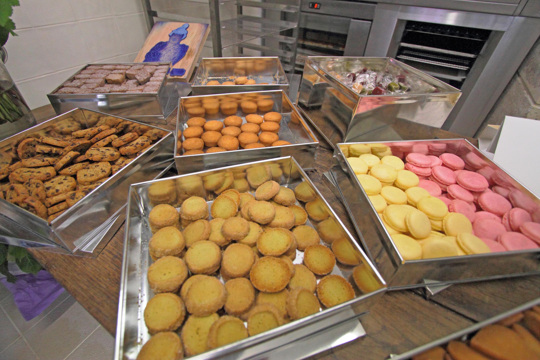 Le chef Gilles Marchal ouvre une biscuiterie à Montmartre, ancien quartier des moulins à vent