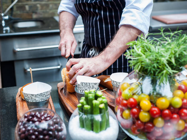 london's best barbecues, montague on the gardens