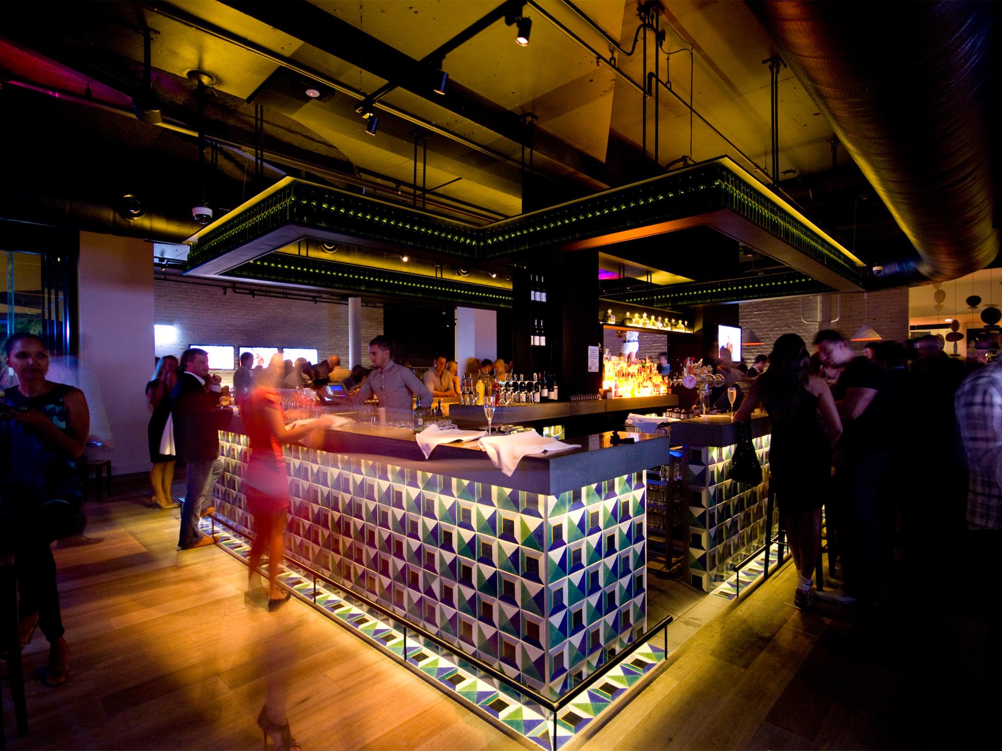 Stingray Bar & Lounge