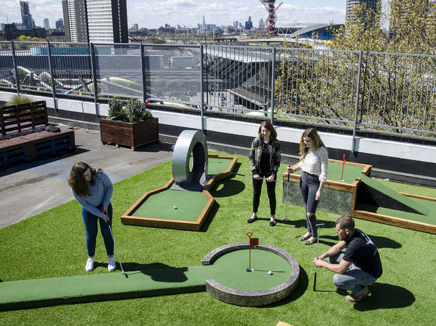 Crazy golf in london 11 best mini and crazy golf courses in london for Garden city mini golf