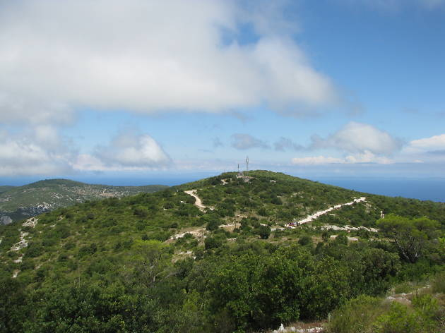 Climb Hum mountain