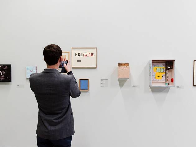 (Vue de l'exposition Jean-Michel ALBEROLA, Palais de Tokyo, Février 2016 © Guillaume Lebrun / Atelier Diptik)