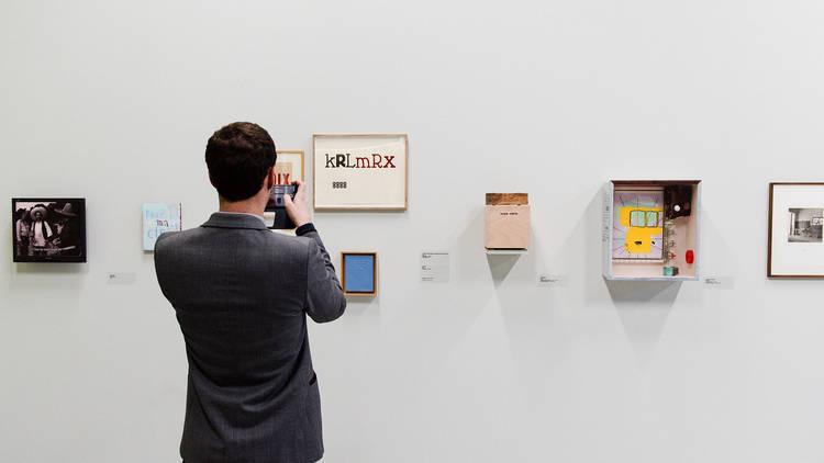 Vue de l'exposition Jean-Michel ALBEROLA, Palais de Tokyo, Février 2016 © Guillaume Lebrun / Atelier Diptik