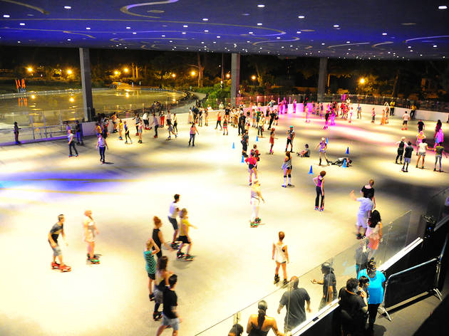 Where To Go Roller Skating In Nyc From Rinks To Disco Parties