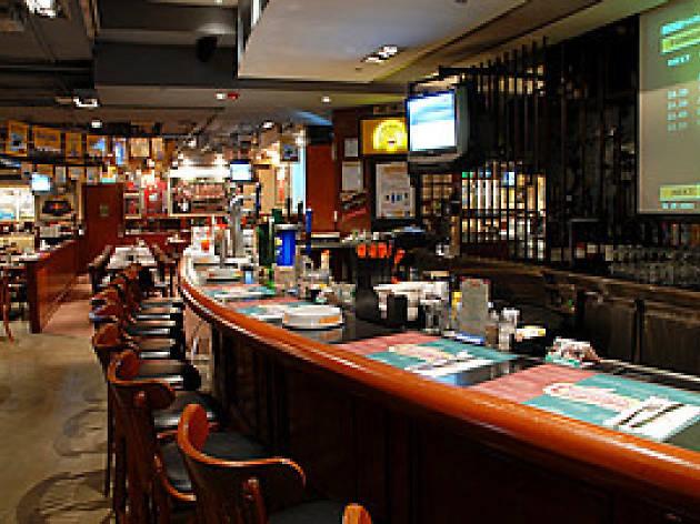 Champs Bar Wan Chai