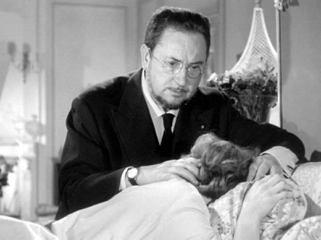 Pierre Brasseur dans 'Les Yeux sans visage' (1960) de Georges Franju