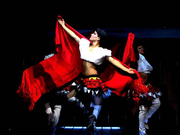 Compañía de danza LGBTTTI México de Colores en la Ciudad de México