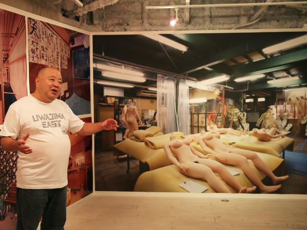 都築響一の展示がスタート、日本独自のエロクリエイティブを見る