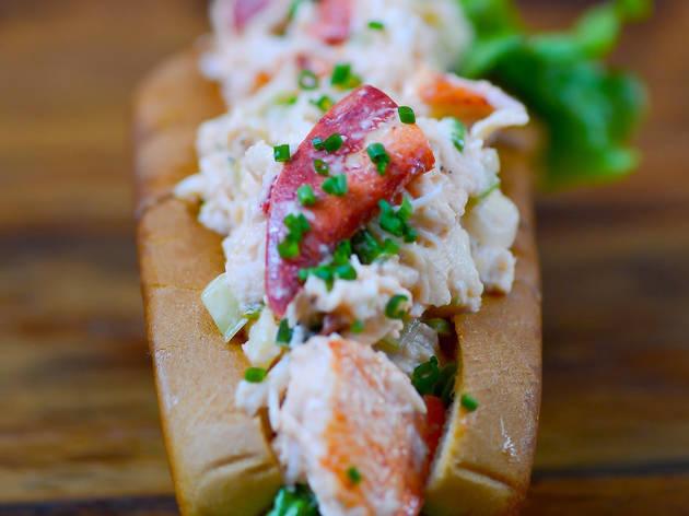 Lobster roll at Cull & Pistol