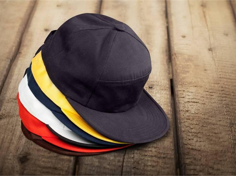 Une casquette sportswear