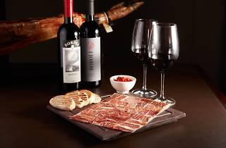 Mini gastronomic food festival by Estates & Wines
