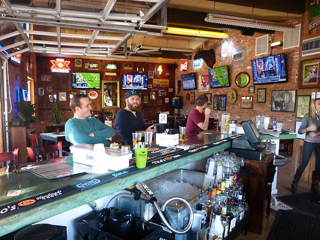 The 12 top sports bars in Austin