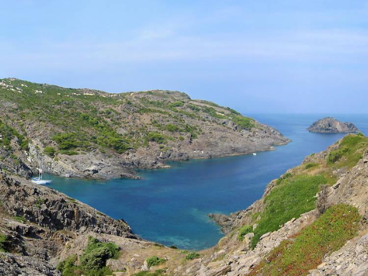 O fugir dels guiris anant a les platges secretes de la Costa Brava