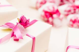 Wedding aniversaries and hampers