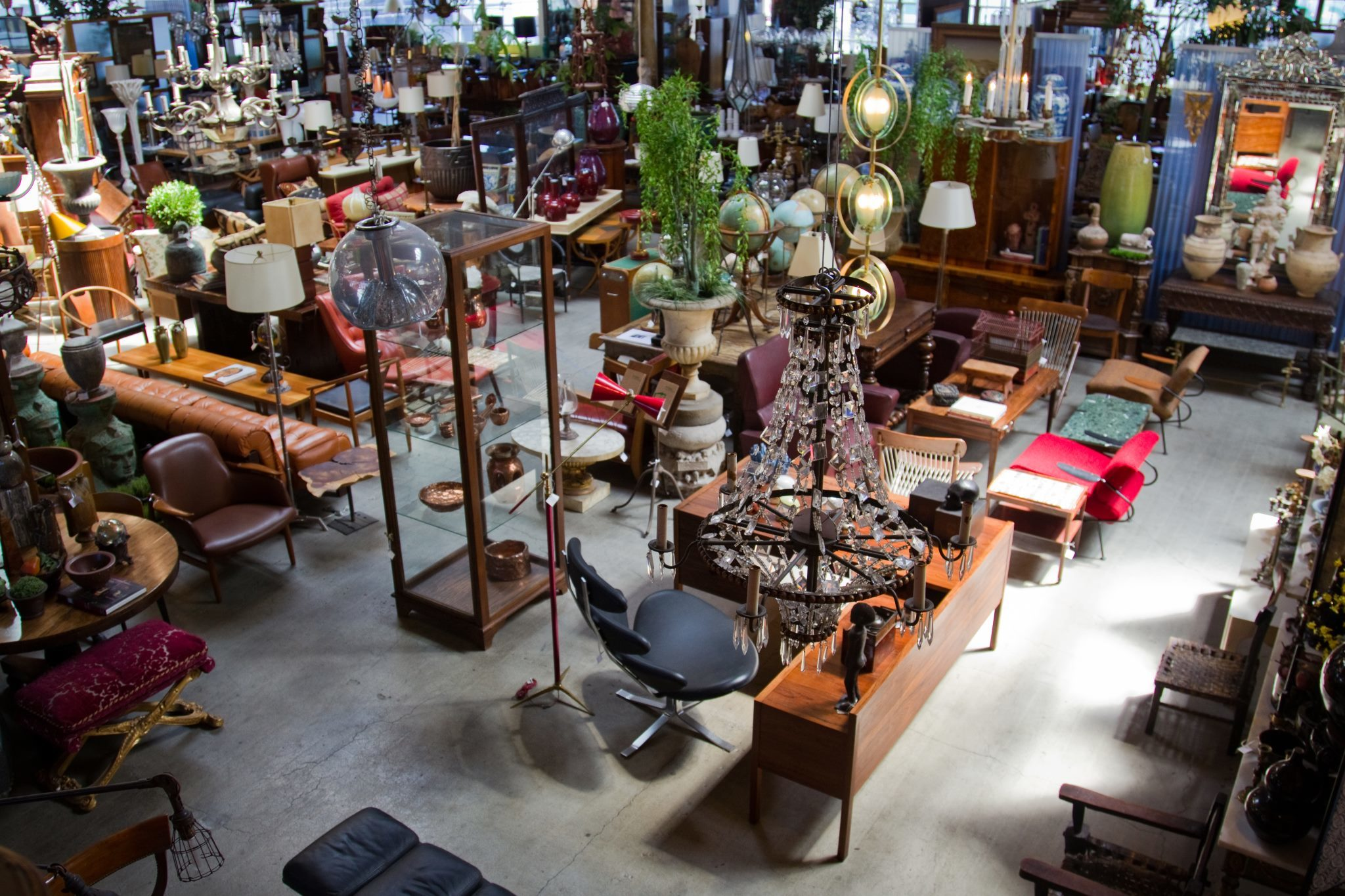 JF Chen Antiques. Best antique stores in Los Angeles for hidden gems