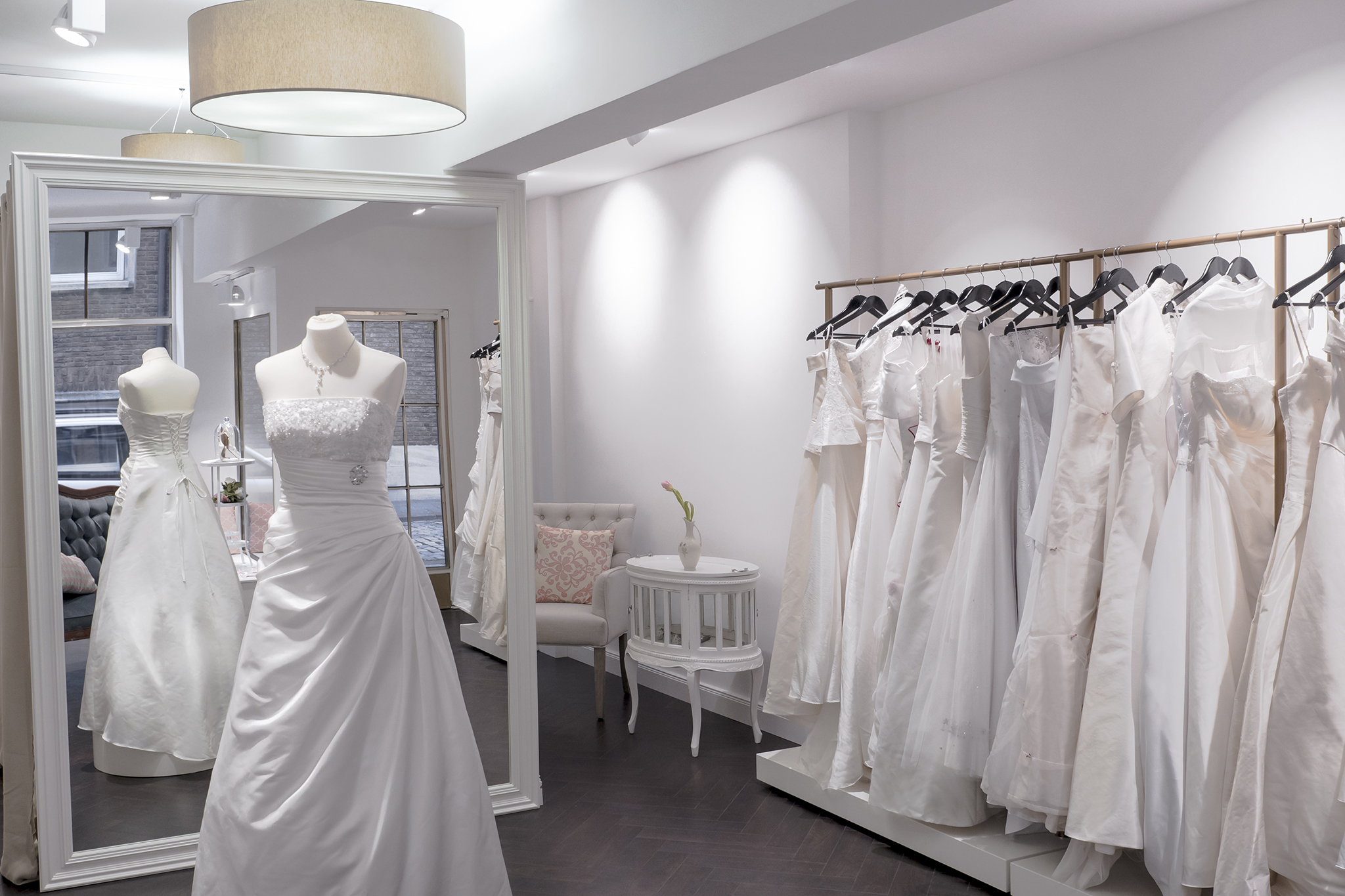 Best bridal shops in nyc including lovely bride and kleinfeld for Places to buy wedding dresses near me