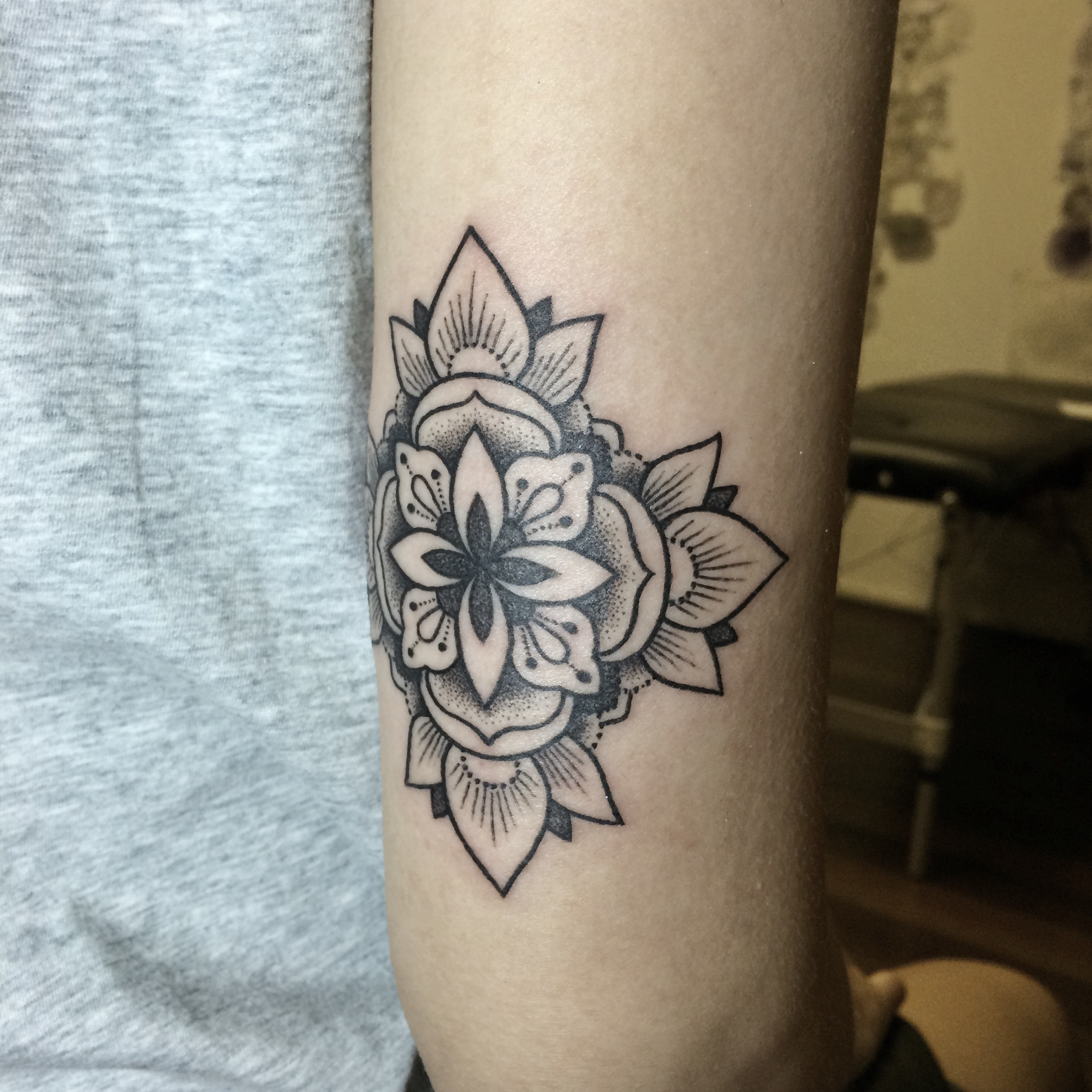 Best tattoo artists in singapore for Tattoo line work
