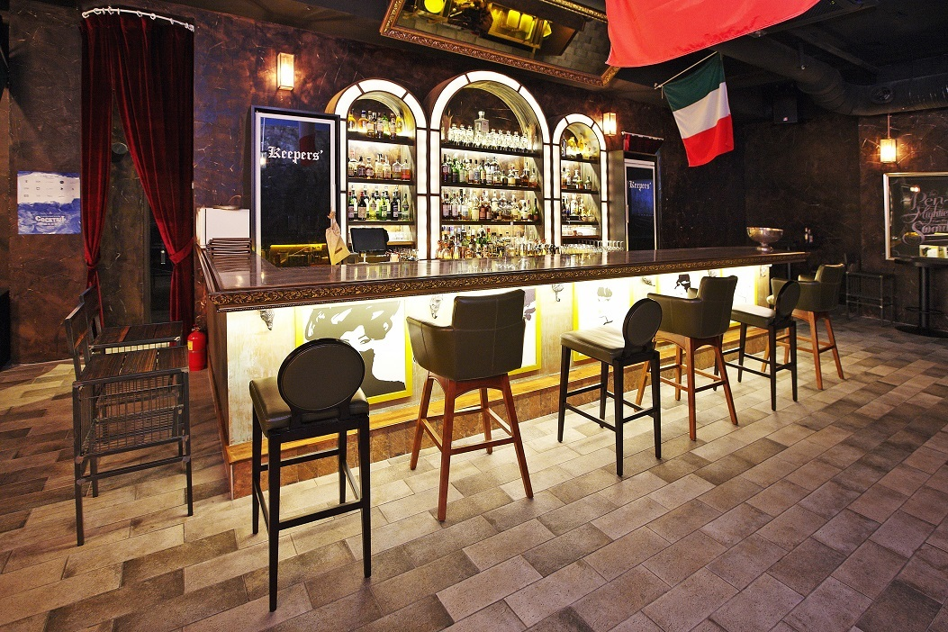 hook up bars in seoul Forget all about online dating and head out to one of the best hookup bars in nyc for the streamlined aesthetic but stay for the cesspool of future hook-up buddies.