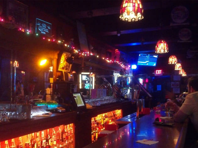 Dave's on Broadway