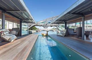 Embarquez dans le premier hôtel flottant de Paris