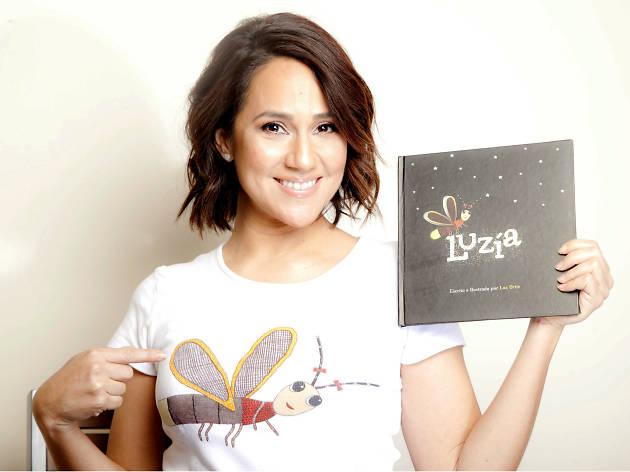 Luz Ortiz presenta el libro Luzía