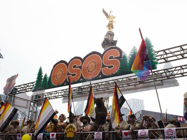 Contingente de osos en la Marcha del Orgullo LGBTTTI en la CDMX