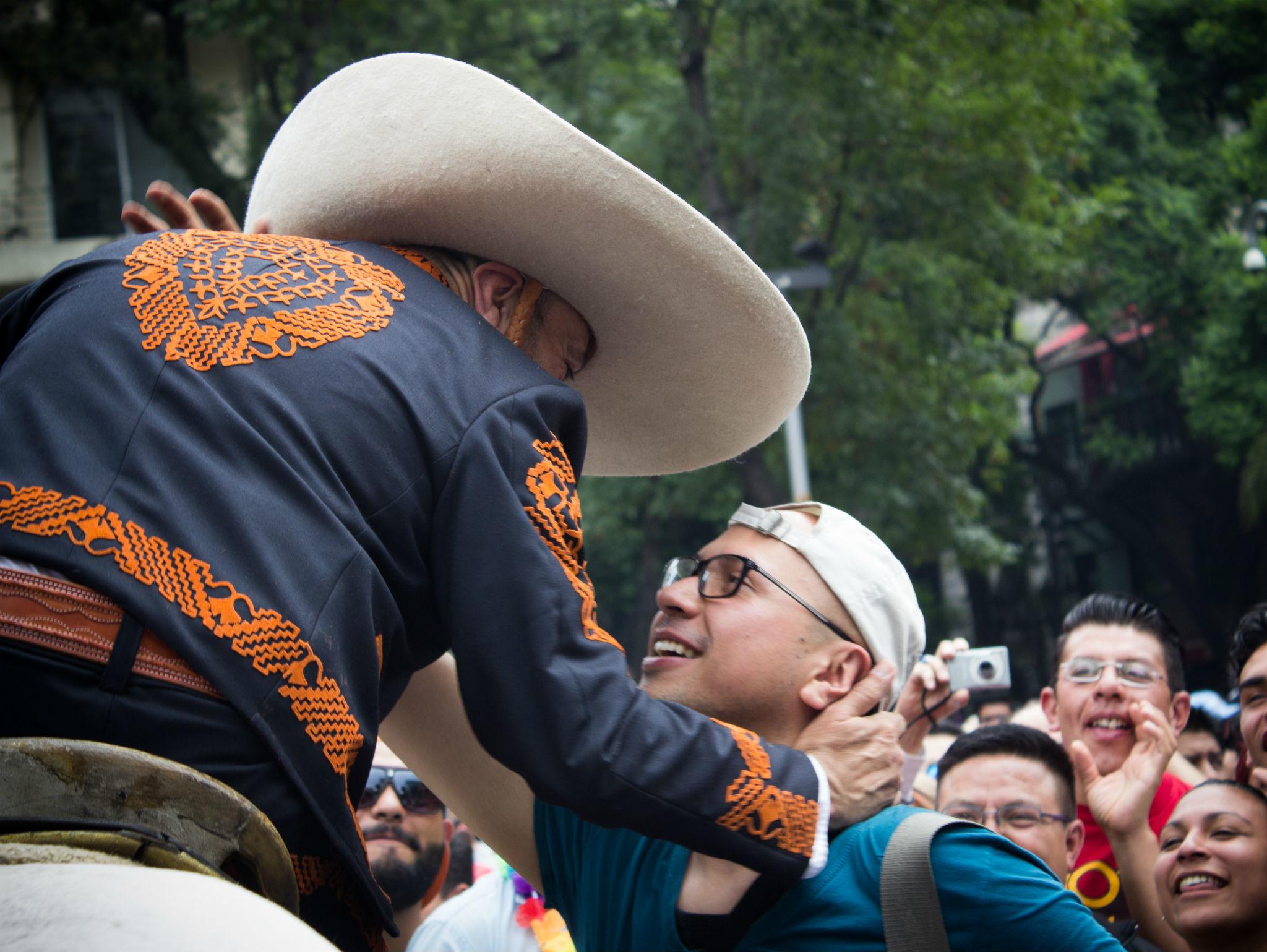 Vaquero en la Marcha del Orgullo LGBTTTI en la CDMX