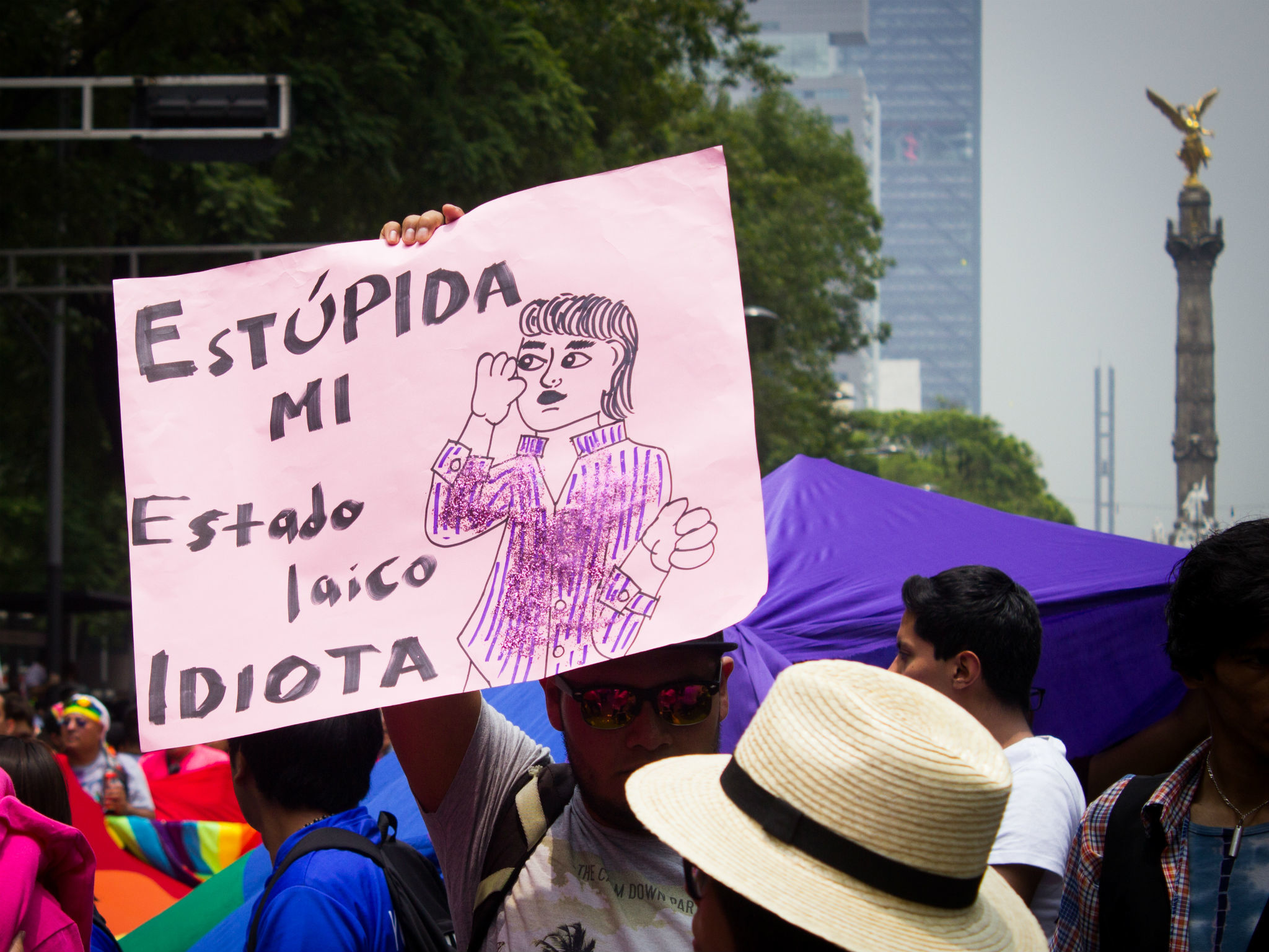 pancartas Marcha del Orgullo LGBTTTI en la CDMX