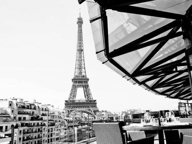 The ten best rooftop bars in Paris