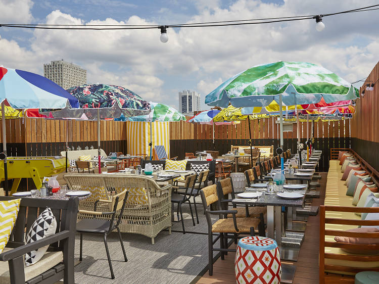 Frenchie • Le rooftop du Mama Shelter