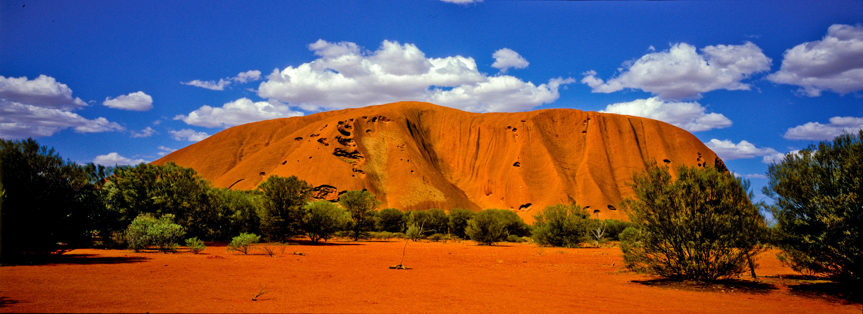 природа поле Улуру австралия скалы  № 586572 бесплатно