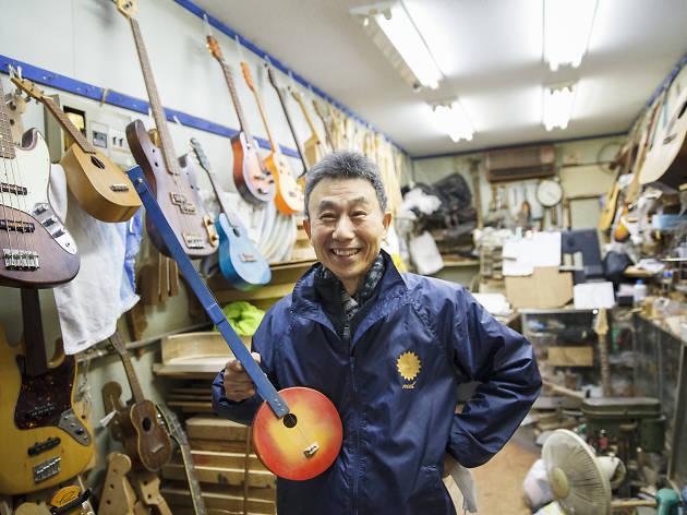 Meet a guitar-making legend...