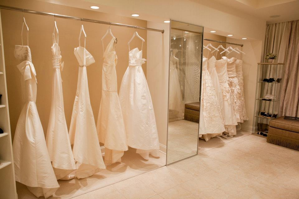 Chicago wedding boutiques mini bridal for Wedding dress boutiques chicago