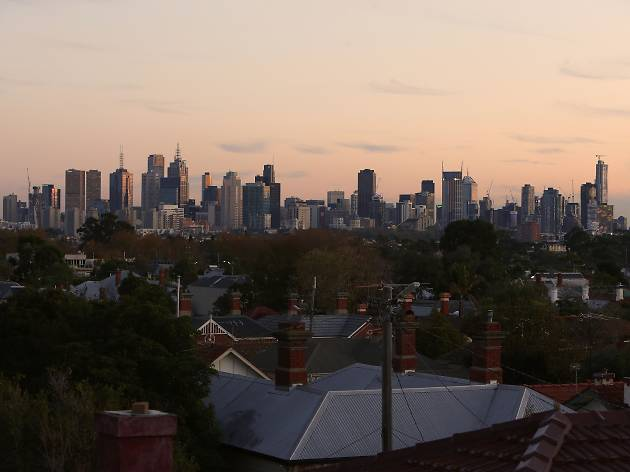 Walk to the top of Ruckers Hill in Northcote...