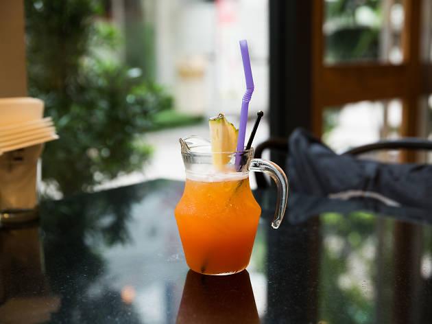 Alphabet Cafe & Bar 03