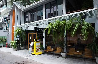Alphabet Cafe & Bar 04