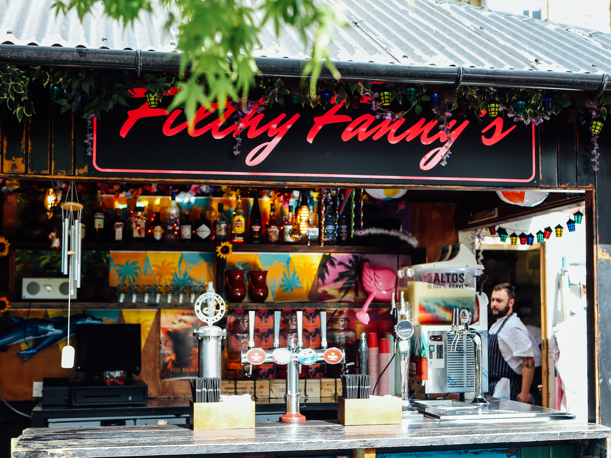 best beach bars in london, filthy fanny's