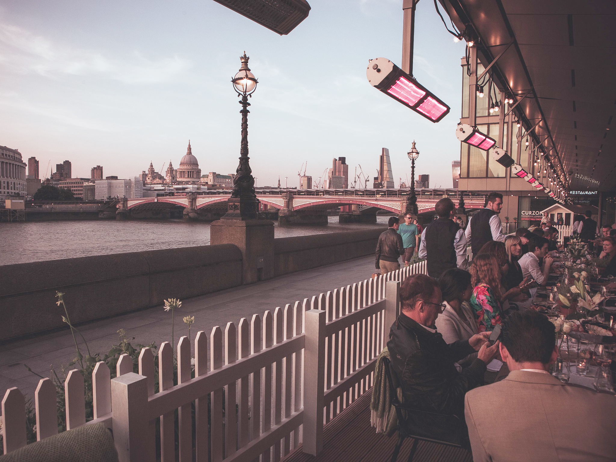 best beach bars in london, lobster shack at sea containers