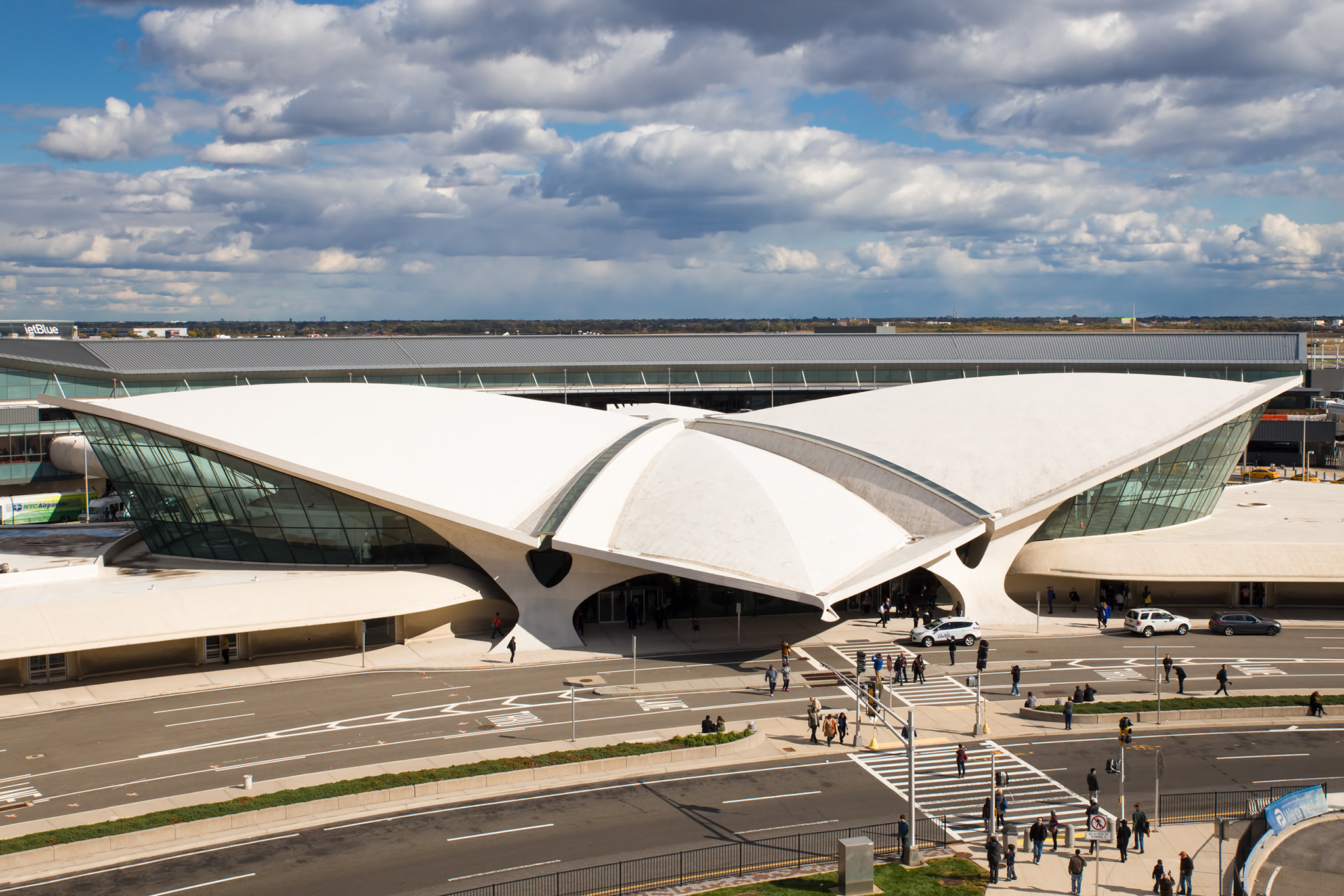 Eero Saarinen, The TWA terminal, 1962