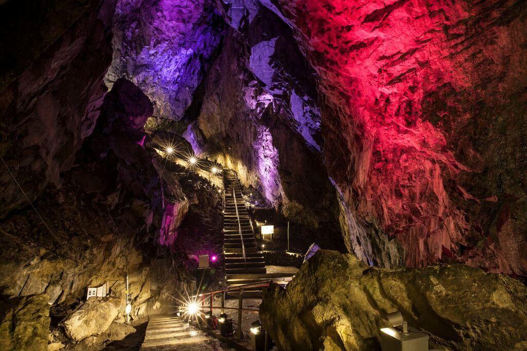 Nippara Limestone Cave