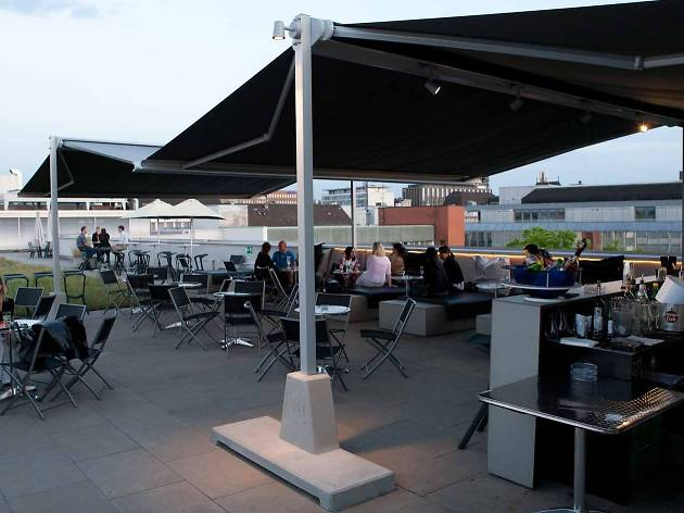 Noonh roof terrace