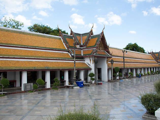Wat Sutha 05