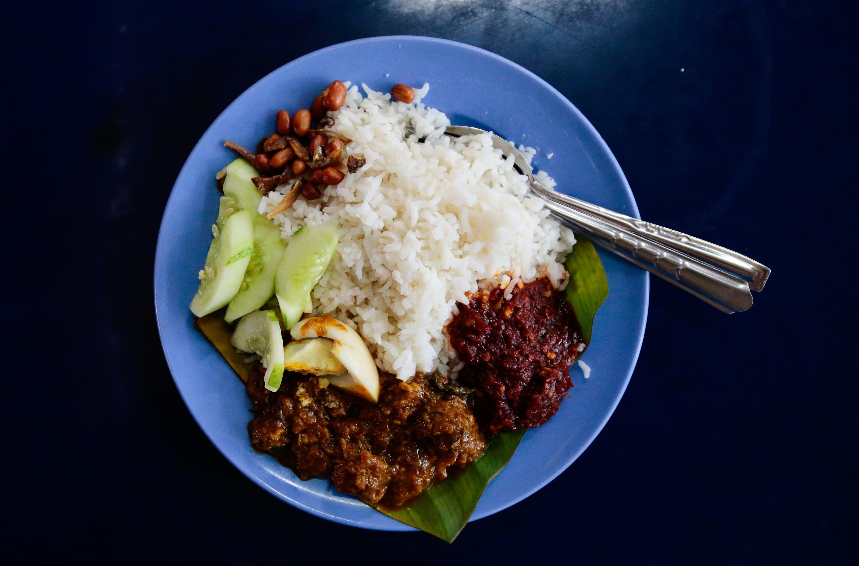 Medan Selera 223 nasi lemak