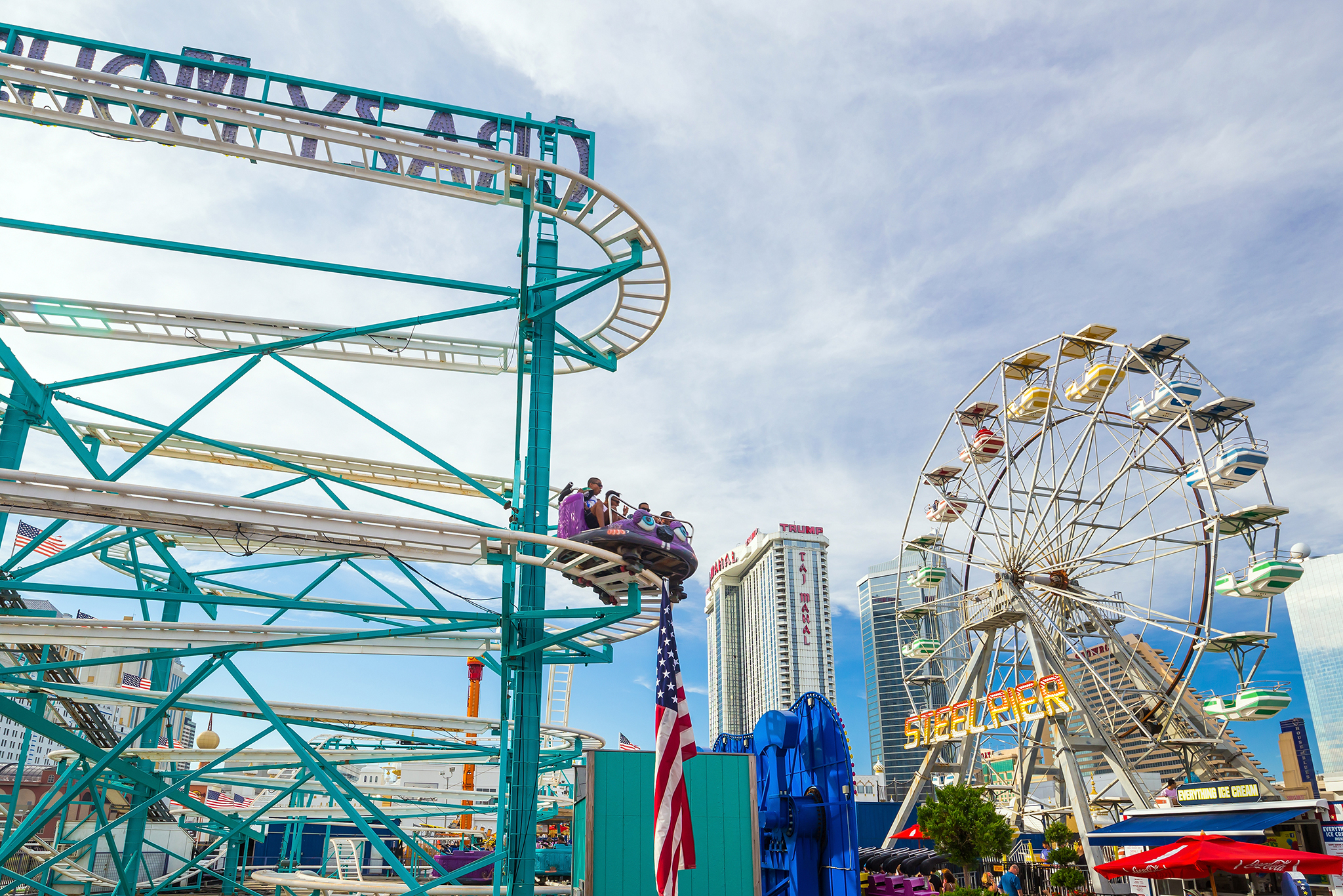 Rides and games on Steel Pier